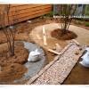 庭DIY《レンガサークル編》掘った穴に石と砂を敷く