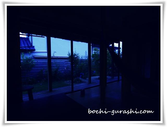 夏の日没後